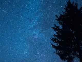黑龙江夜晚唯美星空桌面壁纸