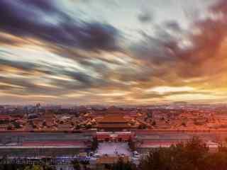 火红彩霞下的故宫风景桌面壁纸