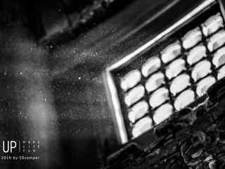 故宫门窗处透出光亮桌面壁纸