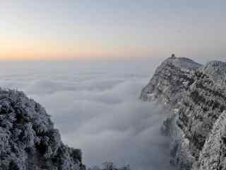 中国最美山峰之峨眉山雪景图片