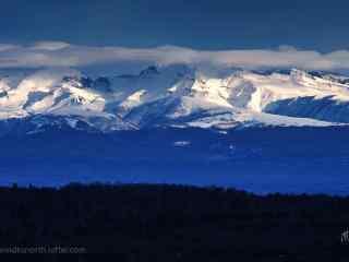 壮丽的长白山雪山