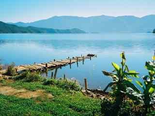 泸沽湖风景桌面壁