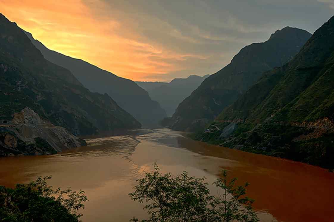 唯美的长江自然风景桌面壁纸