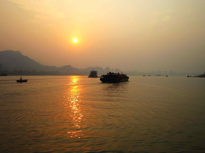 唯美落日下的长江风景高清壁纸