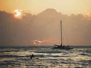 黄昏夕阳下的夏威夷海边风景壁纸
