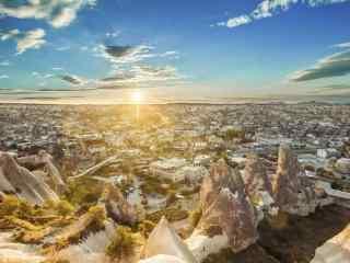 阳光下的城市美景桌面壁纸