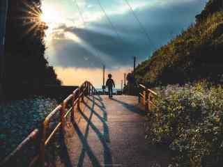黄昏时阳光下美景