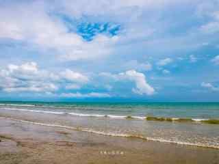 青海湖上蓝天风景图片壁纸