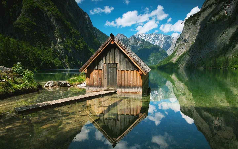 小清新唯美的小木屋风景桌面壁纸