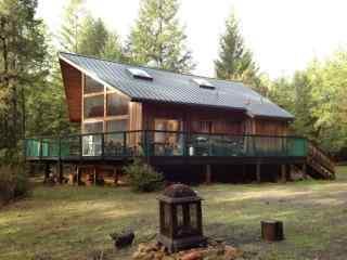 山间的小木屋风景桌面壁纸