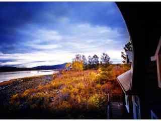 秋日小木屋唯美风景壁纸
