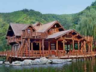 水边上的小木屋风景桌面壁纸