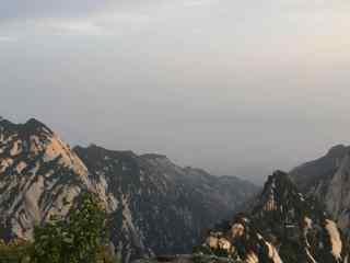 华山云雾缭绕唯美风景壁纸
