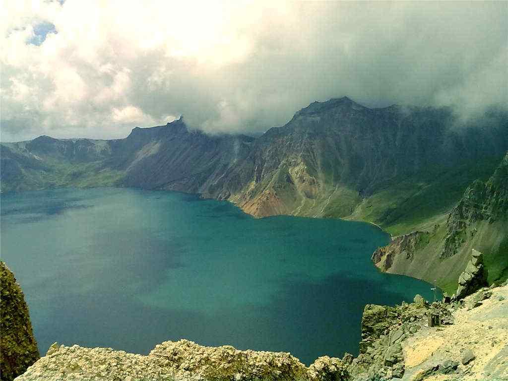 长白山天池避暑旅游风景图片