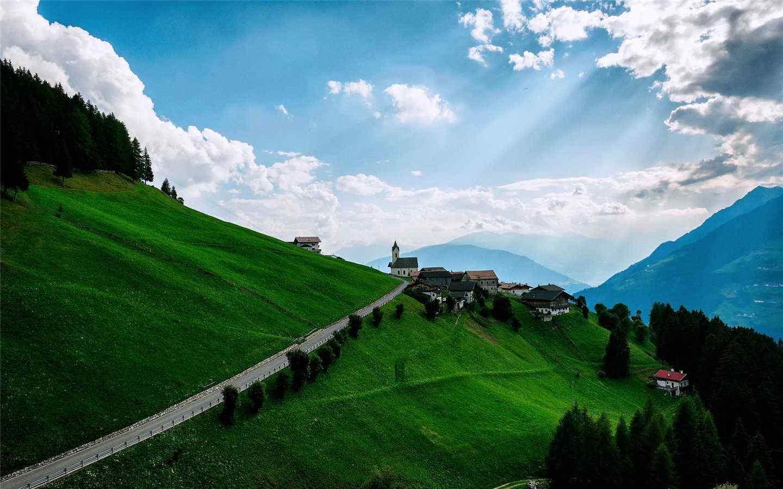 美丽的山坡风景护眼壁纸