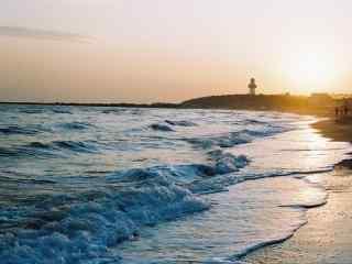 避暑圣地青岛黄昏时的海边风景
