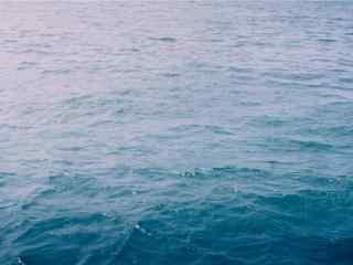 夏日清凉唯美海水图片壁纸