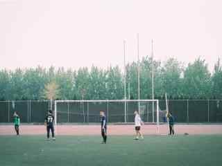 开学季之文艺校园操场风景壁纸