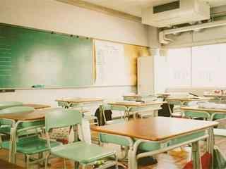 开学季之文艺教室风景壁纸