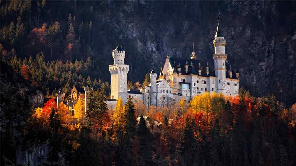 唯美的秋日童话风景壁纸