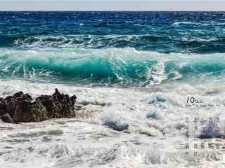 2017年10月日历护眼海边风景桌面壁纸