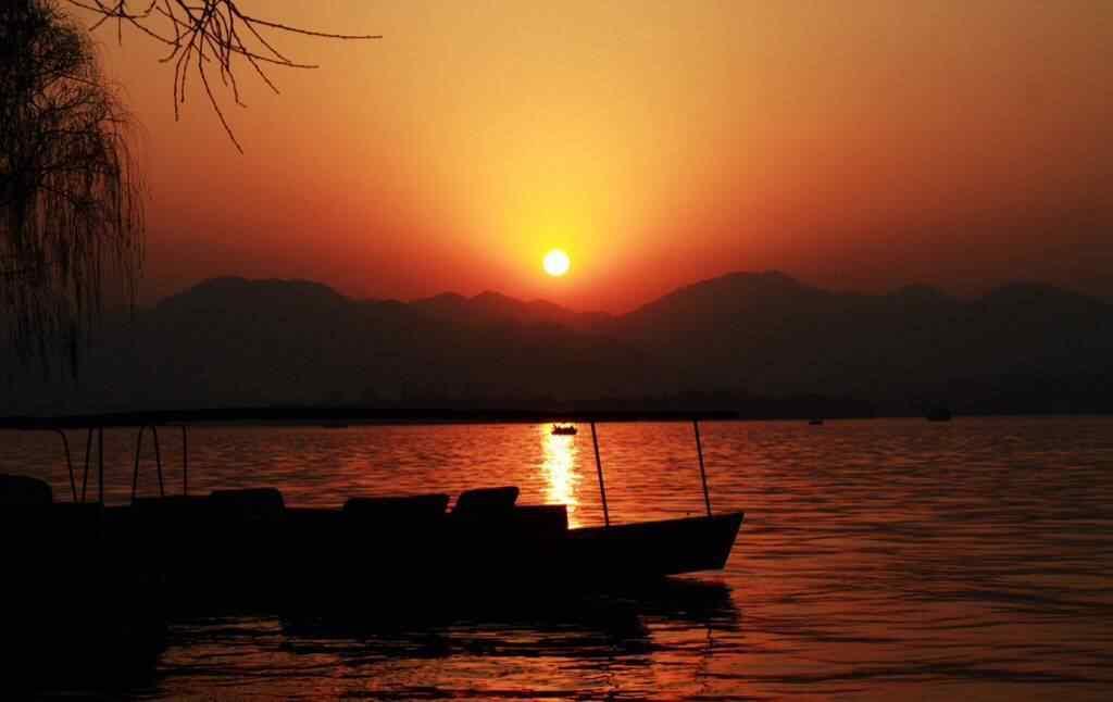 唯美的西湖黄昏风景壁纸