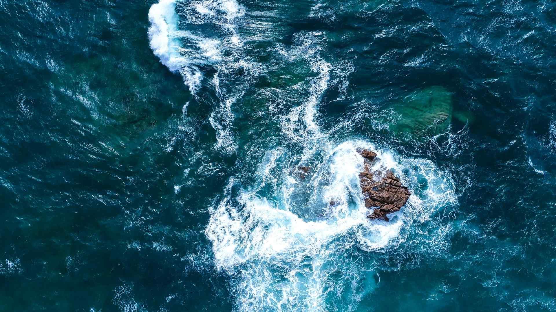 唯美海洋浪花图片高清壁纸