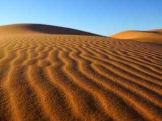 广阔沙漠风景高清壁纸
