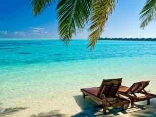 马尔代夫朝海的座椅唯美高清壁纸
