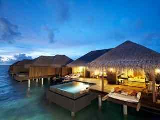 马尔代夫高级度假村夜晚高清壁纸