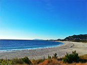海边石子滩自然风景高清壁纸