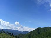 青山与碧蓝天空唯美自然风景高清壁纸