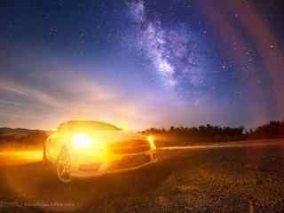 汽车灯光和流星雨桌面壁纸