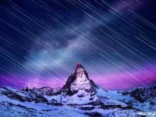金字塔上的星轨桌
