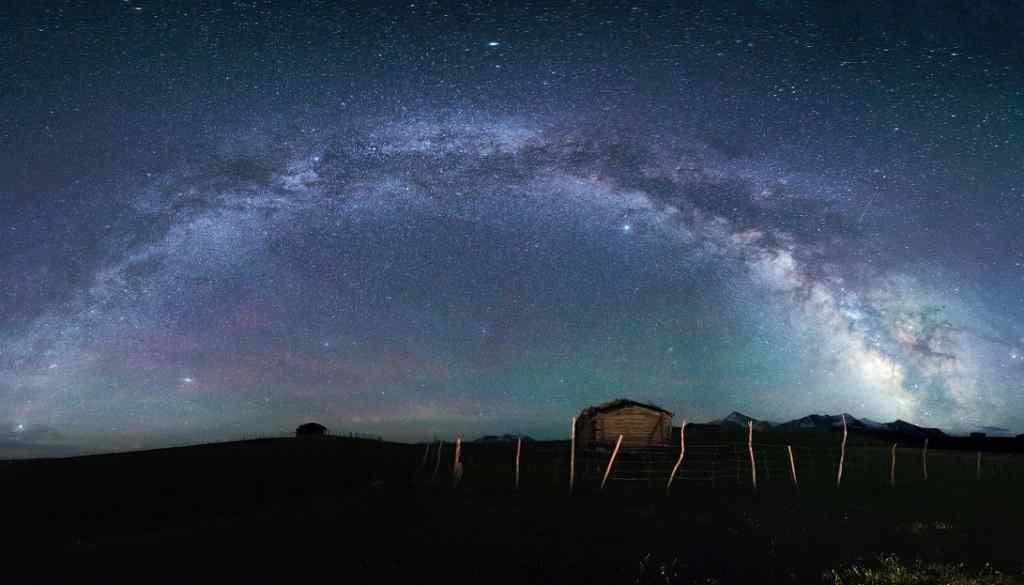 夏日星空之银河桌面壁纸