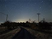 农村小路与星空唯美高清桌面壁纸图片