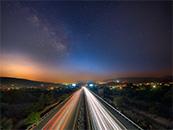 城市公路唯美星空