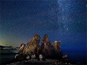 海岛上的唯美星空高清桌面壁纸