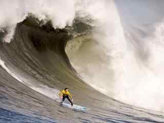 挑战极限冲浪桌面壁纸