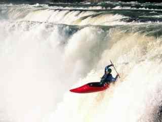 飞越瀑布极限漂流