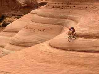 山地自行车速降壁纸