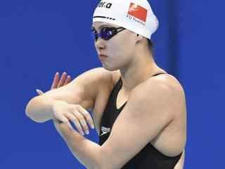 里约奥运段子手傅园慧比赛图片壁纸