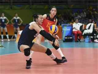 2016里约奥运中国女排飞扑接球精彩瞬间图片桌面壁纸