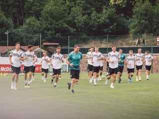 2018世界杯德国队训练照高清壁纸