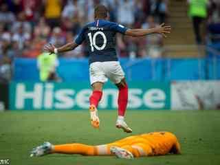 姆巴佩世界杯背影图片