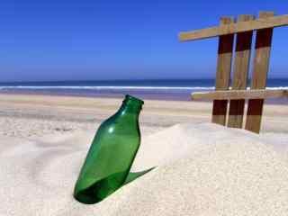 沙滩上的啤酒瓶wi